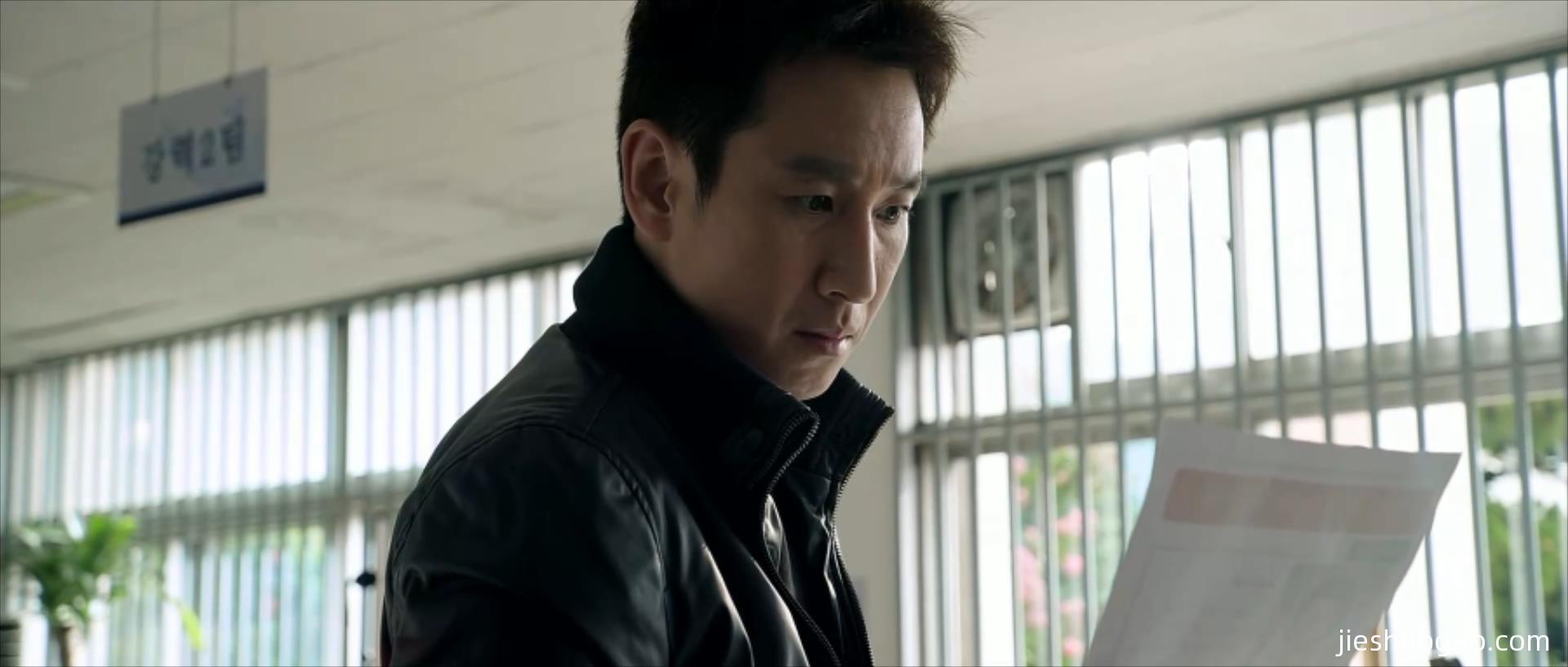 韩国悬疑,一部电影斩获八项大奖|《走到尽头》6分钟2680字解说稿-第3张图片